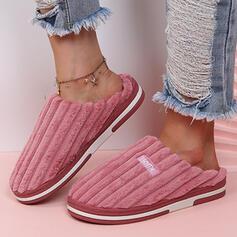 Dla kobiet Zamsz Płaski Obcas Sandały Plaskie Kapcie Round Toe Z List obuwie