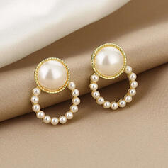 Fashionable Alloy Imitation Pearls With Imitation Pearls Women's Earrings 2 PCS