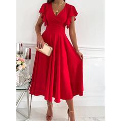 Jednolity Krótkie rękawy Ruffle Sleeve Sukienka Trapezowa Łyżwiaż Impreza/Elegancki Midi Sukienki