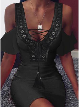 Koronka/Jednolita Krótkie rękawy/Odkryte ramię Bodycon Nad kolana Mała czarna/Seksowna/Casual Sukienki