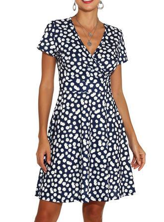 Nadrukowana/Kwiatowy Krótkie rękawy W kształcie litery A Nad kolana Casual/Elegancki Sukienki