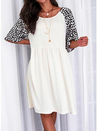 Nadruk/lampart Rękawy 1/2 Suknie shift Długośc do kolan Nieformalny Tunika Sukienki