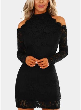 Koronka/Jednolita Długie rękawy/Odkryte ramię Bodycon Nad kolana Mała czarna/Przyjęcie Sukienki