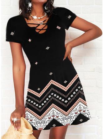 Nadrukowana Krótkie rękawy W kształcie litery A Nad kolana Casual Łyżwiaż Sukienki