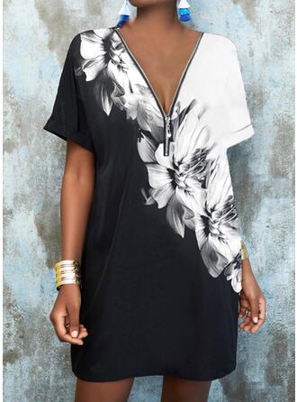 Nadruk/Kwiatowy Krótkie rękawy Suknie shift Nad kolana Nieformalny Tunika Sukienki