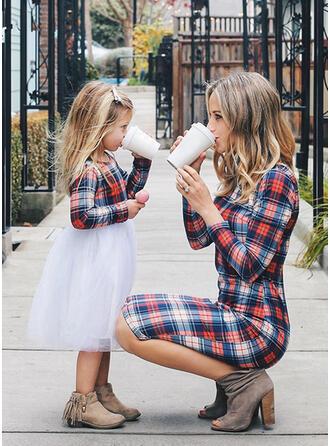 Mamo i ja Kratę Dopasowywanie Sukienki