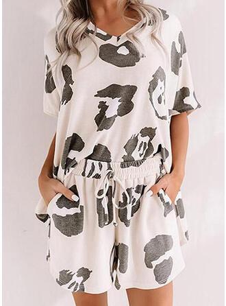 Poliester Spandex Duży rozmiar Okrągły dekolt Krótkie rękawy lampart Zestaw do piżamy