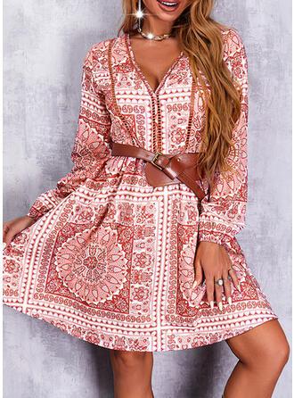 Nadruk/Kwiatowy Długie rękawy Sukienka Trapezowa Nad kolana Nieformalny/Boho Łyżwiaż Sukienki