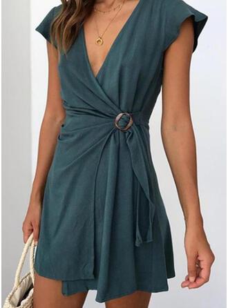 Jednolita Bez rękawów W kształcie litery A Nad kolana Mała czarna/Casual/Elegancki Sukienki