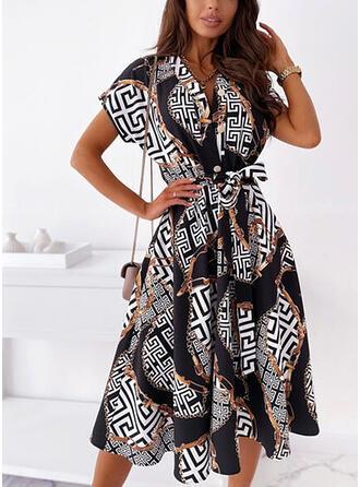 Nadrukowana Krótkie rękawy W kształcie litery A Łyżwiaż Casual Midi Sukienki