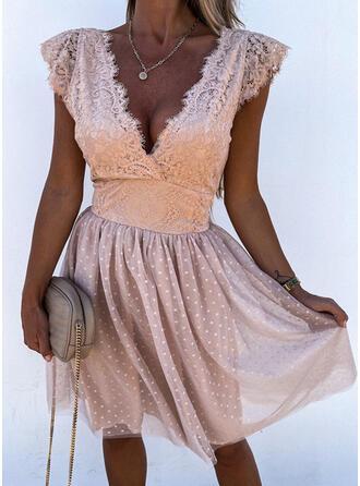 Jednolity Koronka Krótkie rękawy cap sleeve Sukienka Trapezowa Nad kolana Impreza/Elegancki Łyżwiaż Sukienki