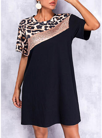 Blok Koloru/lampart Krótkie rękawy Suknie shift Nad kolana Elegancki T-shirt Sukienki
