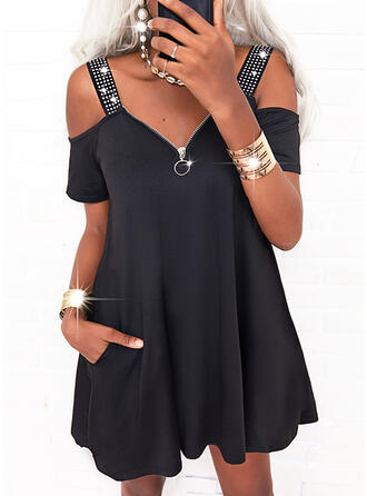 Jednolity cekiny Krótkie rękawy cold ramion rękaw Suknie shift Nad kolana Nieformalny Sukienki
